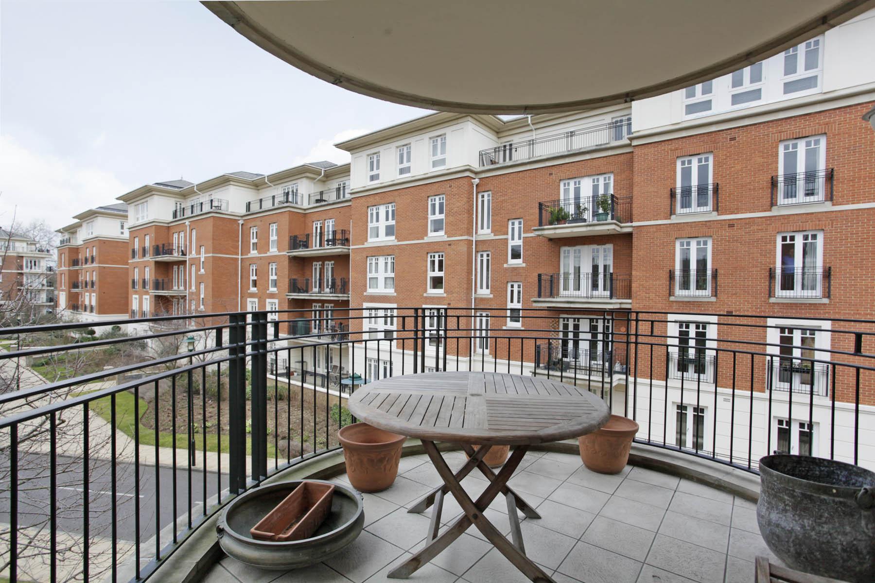 CLCR - 5 Pelabon House - balcony
