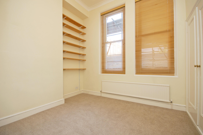 CLCR 6 Park House TW10 Bedroom-1