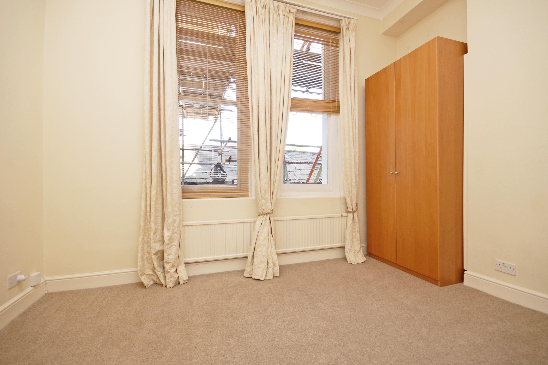 CLCR 6 Park House TW10 Bedroom-2