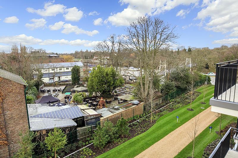 Externals, Teddington Riverside