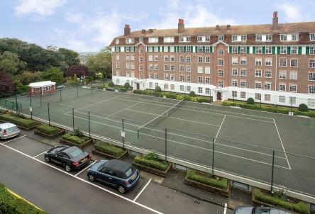 99 Richmond Hill Court