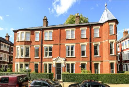1 Balmoral Mansions