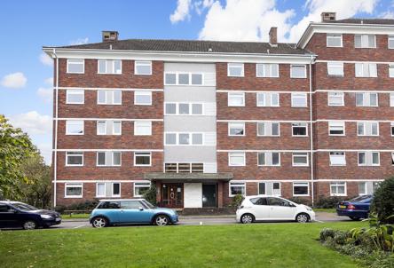 3 Carrisbrook House